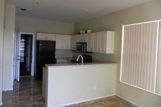 645 Garden Cress Trl, Royal Palm Beach, FL 33411 - 3 beds/2.5 baths