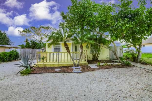 4177 Success St, West Palm Beach, FL 33406 - 2 beds/1 bath