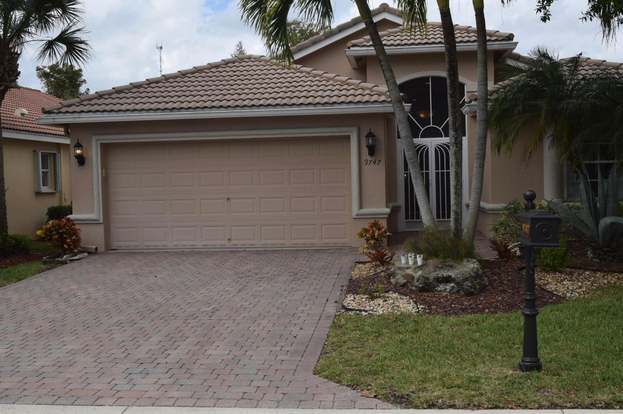 9747 Donato Way, Lake Worth, FL 33467 - 3 beds/2 baths