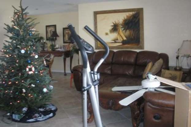 Christmas Lights 33455 2020 8831 SE Eagle, Hobe Sound, FL 33455   MLS# RX 3074426   Redfin