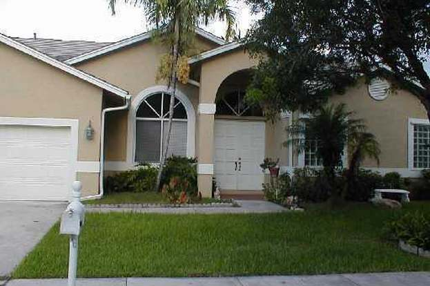 Genial 1401 SW 104th, Pembroke Pines, FL 33025