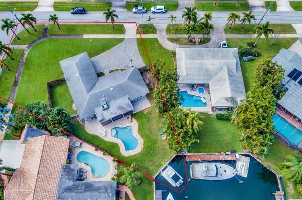908 Westwind Dr, North Palm Beach, FL 33408 - 3 beds/2 baths on