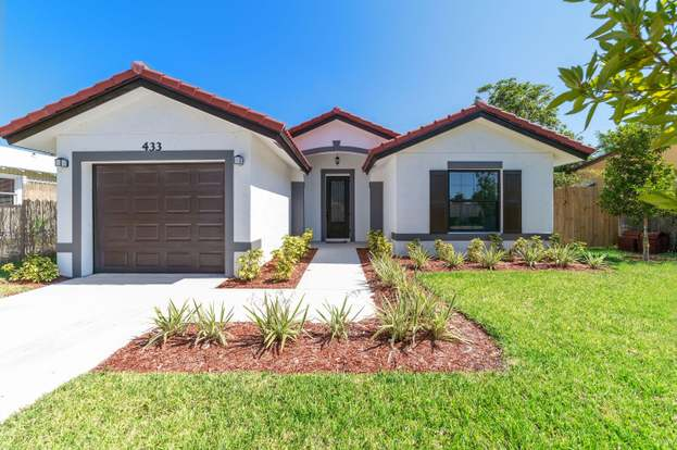 433 Summa St, West Palm Beach, FL 33405 - 3 beds/2 baths