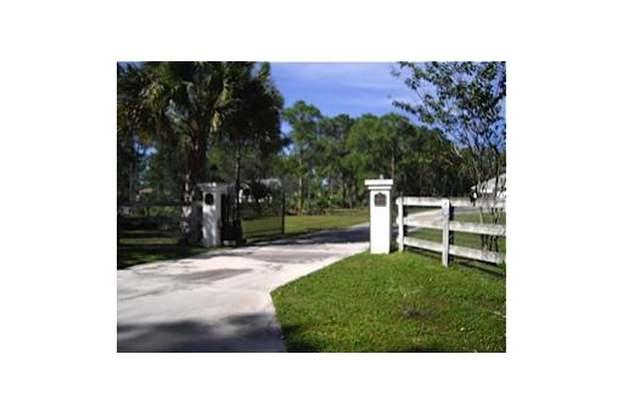14819 Broken Arrow Pl, Palm Beach Gardens, FL 33418