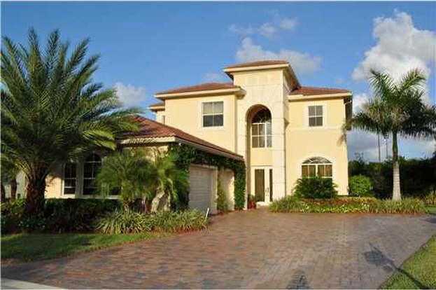 157 Via Condado Palm Beach Gardens Fl 33418