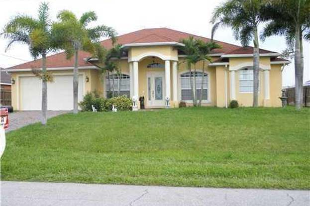 587 SW Bradshaw Cir, Port Saint Lucie, FL 34953 - 4 beds/3 baths