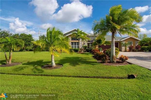 3526 SW Macon Rd, Port St  Lucie, FL 34953 - 5 beds/3 baths