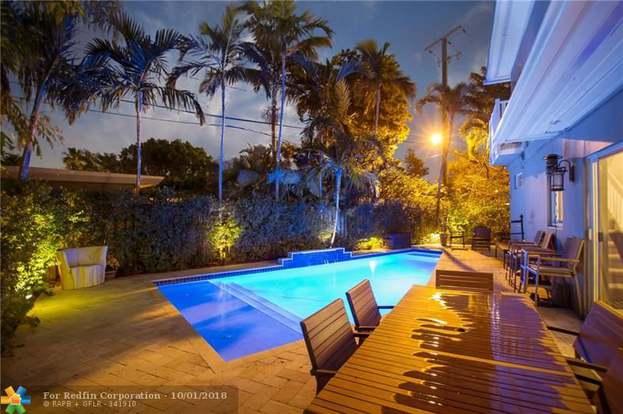 . 309 NE 20th St  Wilton Manors  FL 33305   3 beds 3 baths