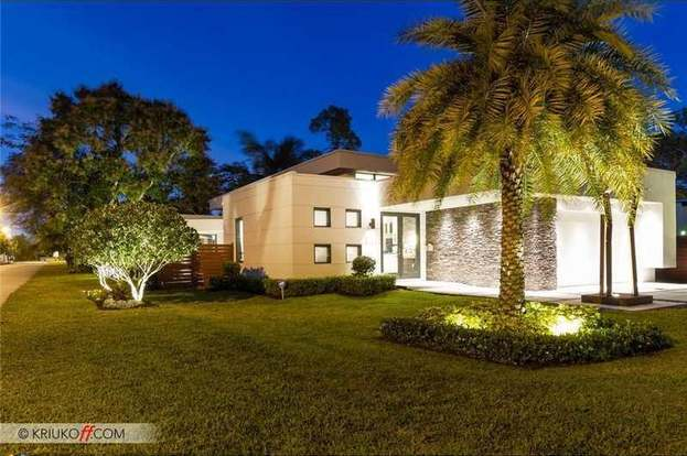 . 101 NE 22nd St  Wilton Manors  FL 33305   3 beds 2 baths