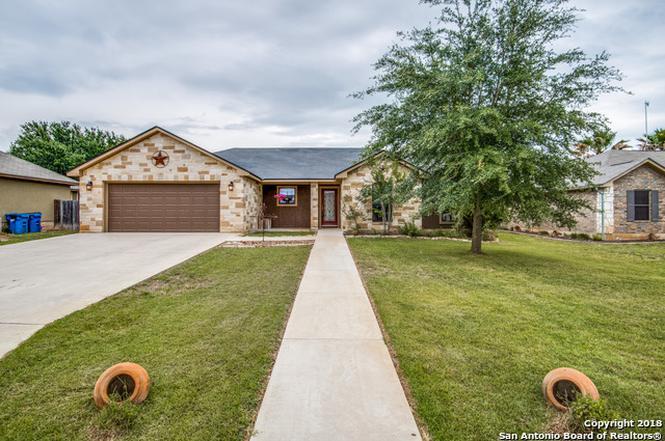 210 Yorktown, Pleasanton, TX 78064 | MLS# 1307542 | Redfin