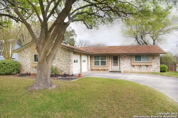 7729 Strolling, Live Oak, TX 78233 - 3 beds/2 baths