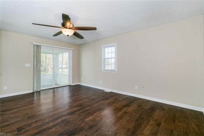 315 Richneck Rd, Newport News, VA 23608 - 5 beds/2 5 baths