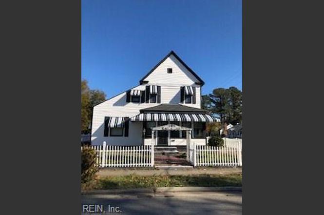 100 Maple Ave, Newport News, VA 23607 - 4 beds/1 bath