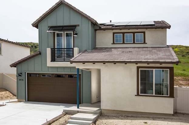 8976 Hightail Dr, Santee, CA 92071 - 4 beds/3 baths