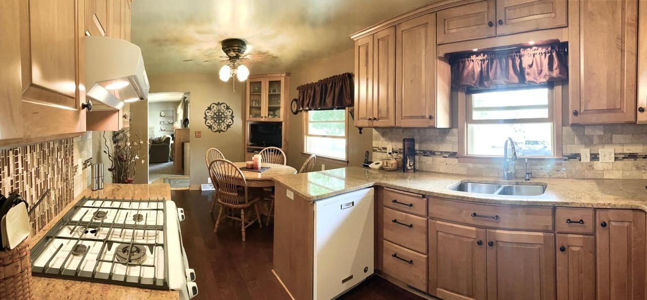 1307 Woodland Ave Mankato Mn 56001, Kitchen Cabinets Mankato Mn
