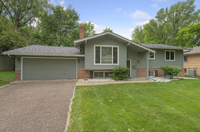 Great 2728 Monterey Ave, St. Louis Park, MN 55416