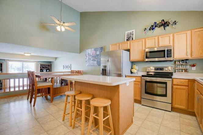661 35th St W, Hastings, MN 55033