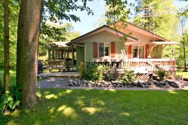 33948 E Deer Lake Rd, Grand Rapids, MN 55744 - 3 beds/2 baths