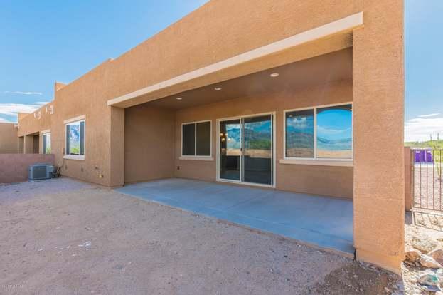 13202 N Humphrey's Peak Dr, Oro Valley, AZ 85755 - 2 beds/2 baths
