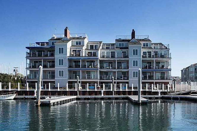 31 Coddington Wharf #21, Newport, RI 02840