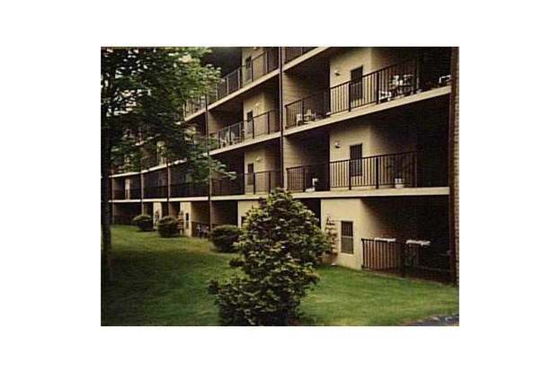 650 Greenwich Ave Unit 2 203 West Warwick Ri 02893