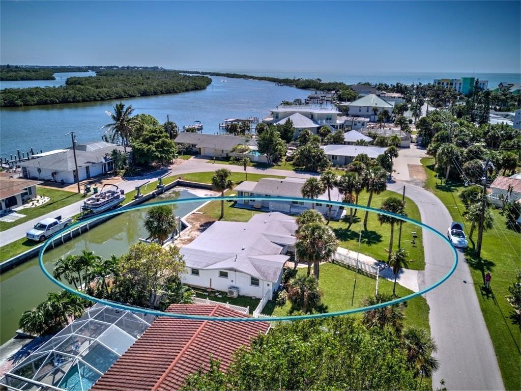 1265 Holiday Dr, ENGLEWOOD, FL 34223   MLS# C7401053   Redfin