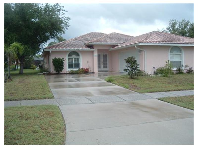 329 Gladstone Blvd, ENGLEWOOD, FL 34223   MLS# N5776902 ...