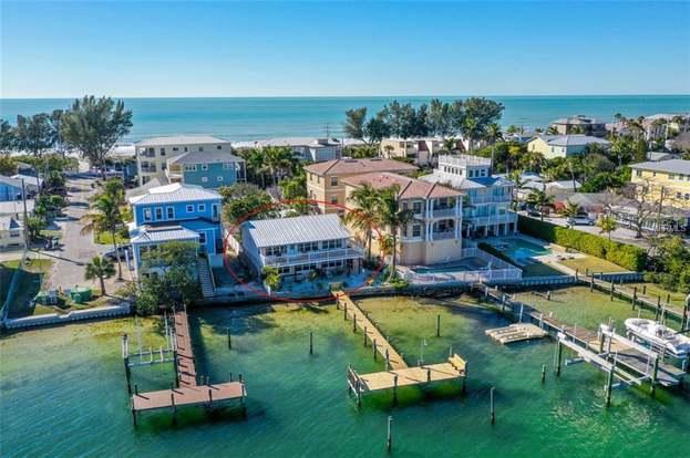 504 Bay Dr S Unit A, BRADENTON BEACH, FL 34217 - 4 beds/2 baths