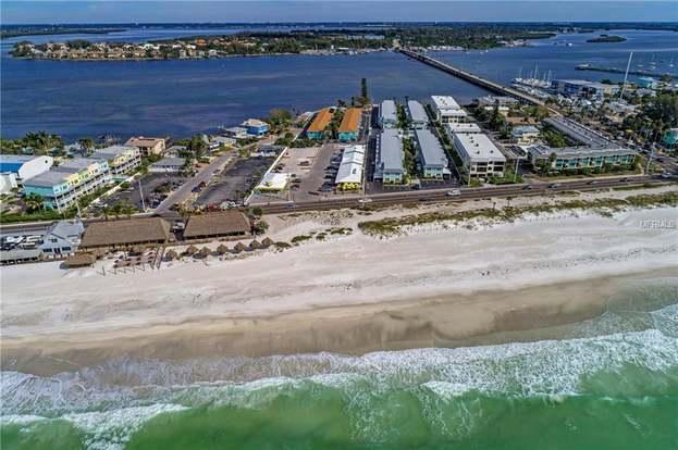 117 7th St N #32, BRADENTON BEACH, FL 34217 - 2 beds/1 bath