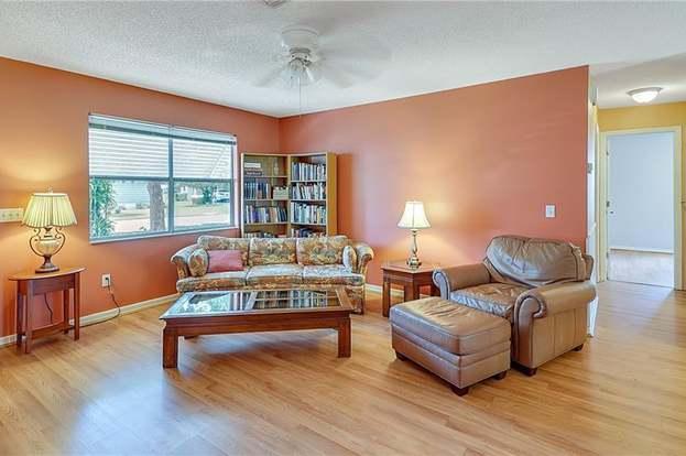 1707 E Schwartz Blvd, LADY LAKE, FL 32159