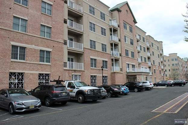 3108 Windsor Park Ct, Englewood, NJ 07631 - 1 bed/1 bath