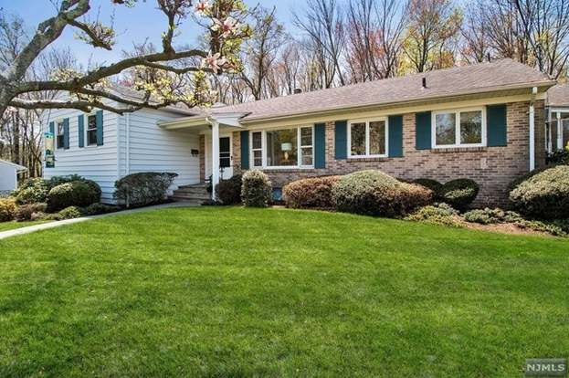 46 Summit Rd Verona Nj 07044 Mls 1821802 Redfin