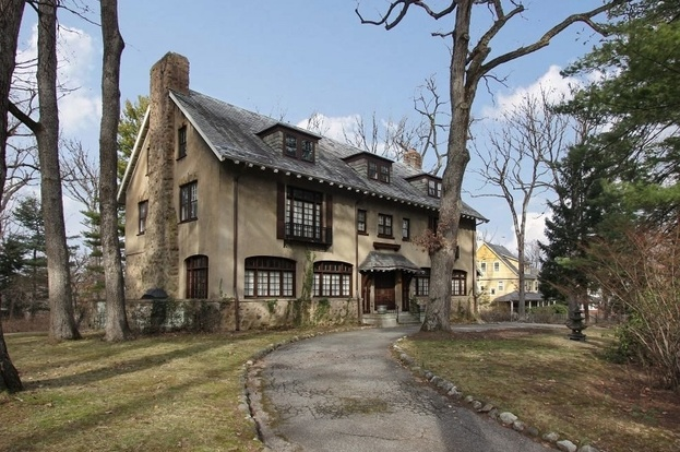 essex fells chat 133 devon road, essex fells, nj - is owned by meglio, steven o & jennifer the property last sold for $820,000 on 2003-03.