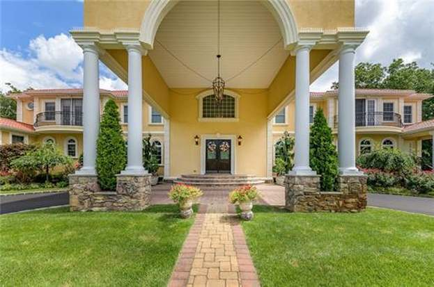 4 Parker Ct, Millstone, NJ 07726 - 5 beds/7 baths