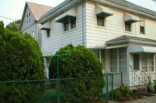 54 Simplex Ave, New Brunswick, NJ 08901 - 2 beds/2 baths