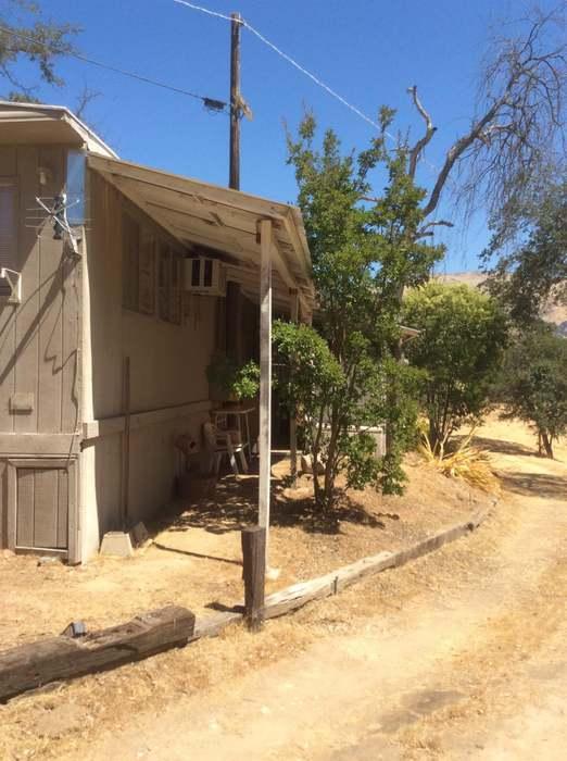 30367 E Trimmer Springs Rd #36, Sanger, CA 93657 - 2 beds/1 5 baths