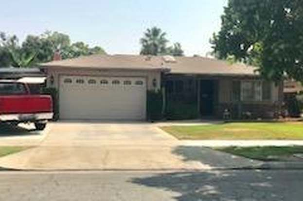 4664 N Kavanagh Ave, Fresno, CA 93705 - 3 beds/2 baths