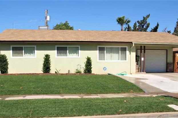 3892 N Briarwood Ave, Fresno, CA 93705 - 3 beds/1 5 baths