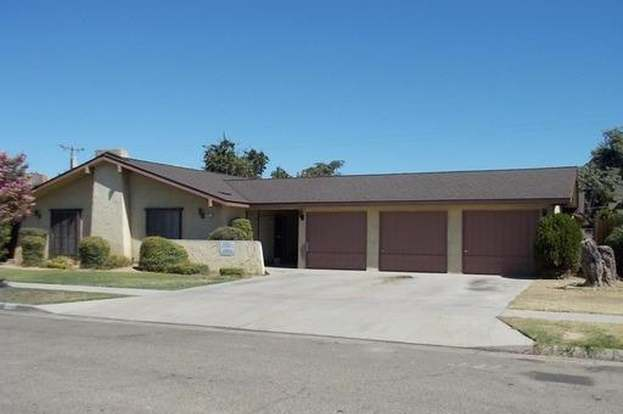 4577 E University Ave, Fresno, CA 93703 - 6 beds/3 5 baths