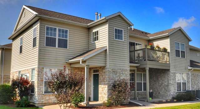 1142 Black Bear Dr, Mukwonago, WI 53149 - 2 beds/2 baths