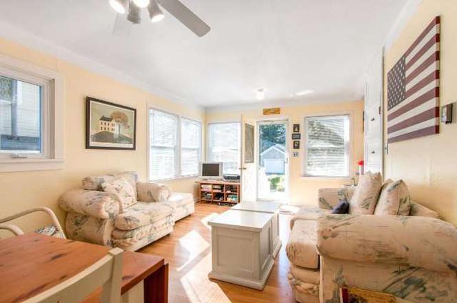 1604 Lincoln Ave, Delavan, WI 53115