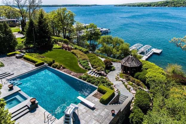 1002 S Knoll Ln, Lake Geneva, WI 53147 - 4 beds/5 5 baths