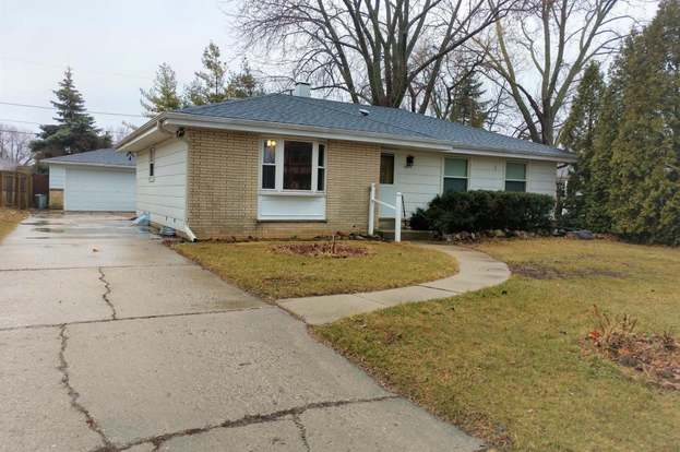 1423 Sherman Ave South Milwaukee Wi 53172 Mls 1574350 Redfin