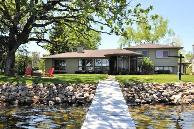 W8168 Elm Point Rd, Lake Mills, WI 53551 - 4 beds/2 5 baths