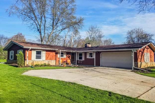 422 Park Crest Dr, Thiensville, WI 53092 - 3 beds/2 baths