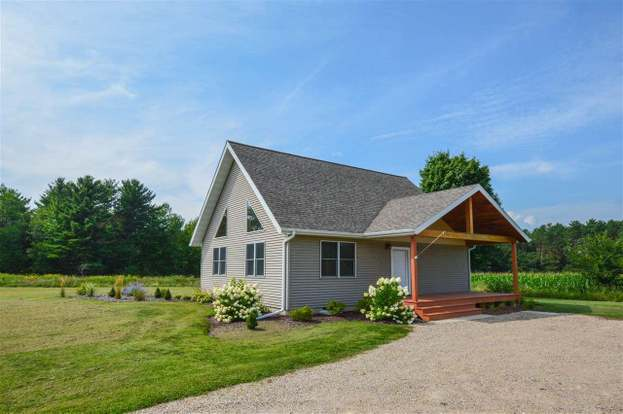N3641 N Military Rd, Weyauwega, WI 54983 - 2 beds/2 baths
