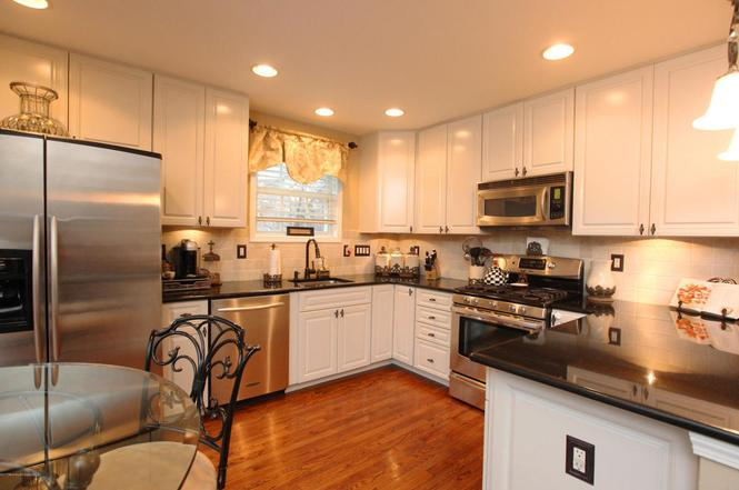 Ironwood cabinets nj cabinets matttroy for Kitchen cabinets 08094