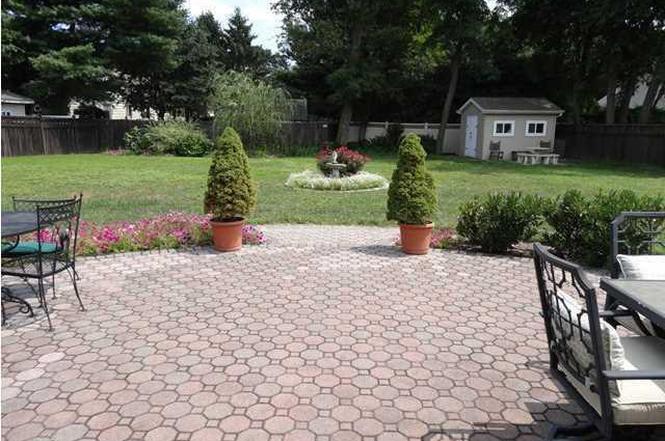 3 Judy Rd, Eatontown, NJ 07724