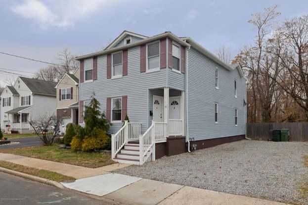 77 Lewis St, Eatontown, NJ 07724 - 6 beds/2 baths