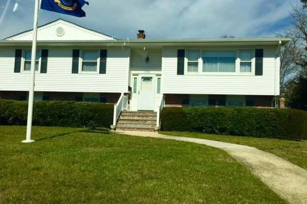 1304 W Magnolia Ave, Sea Girt, NJ 08750 - 4 beds/2 baths